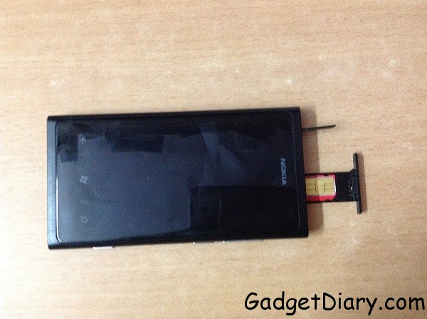 nokia lumia 800 with micro sim slot