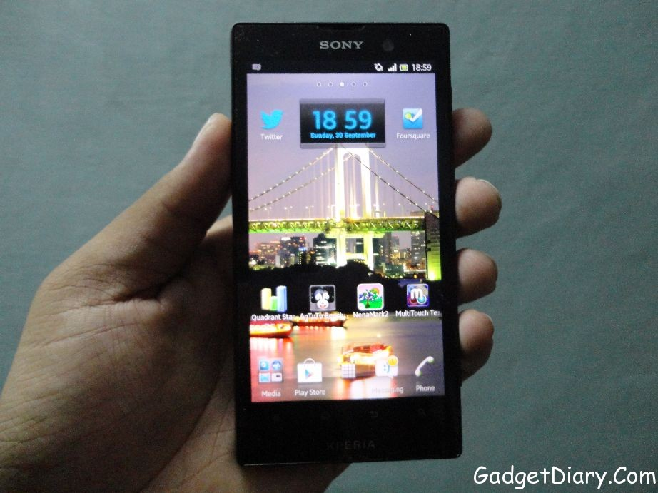sony xperia ion front