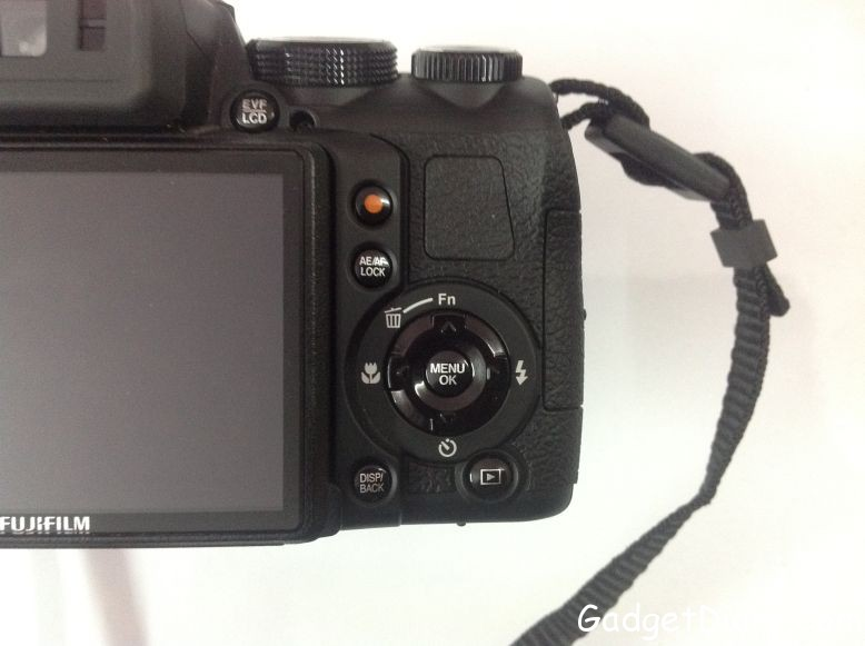 Fujifilm FinePix HS25EXR right controls