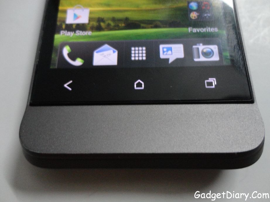 HTC One V below Display