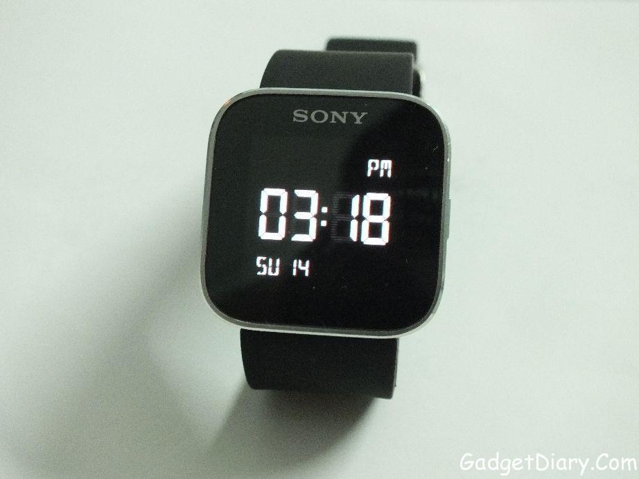 sony smartwatch time