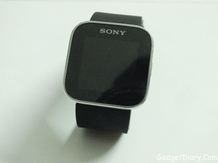 sony smartwatch with wristband